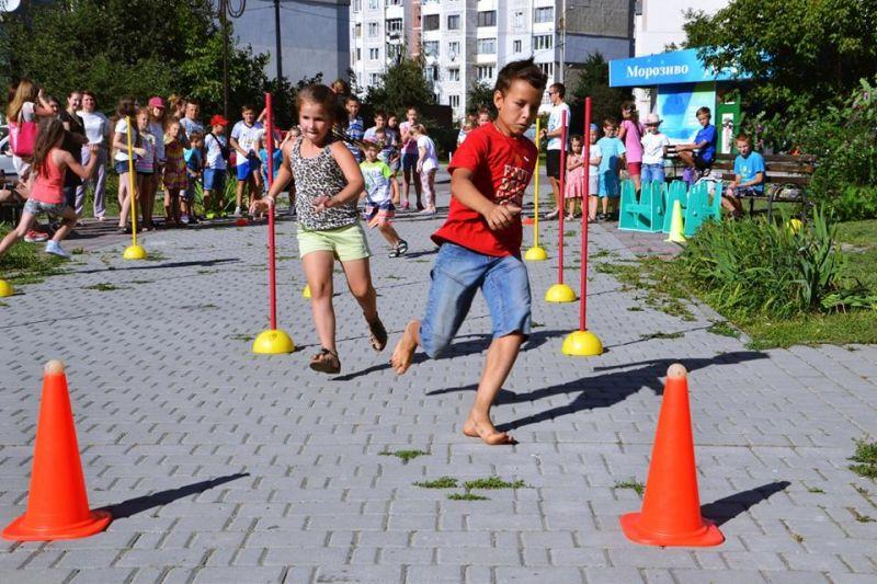 """Для франківців провели спортивне свято """"Спорт для всіх"""" (фоторепортаж)"""