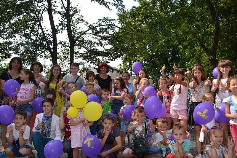 У Франківську для малечі влаштували веселе та запальне свято (фоторепортаж)