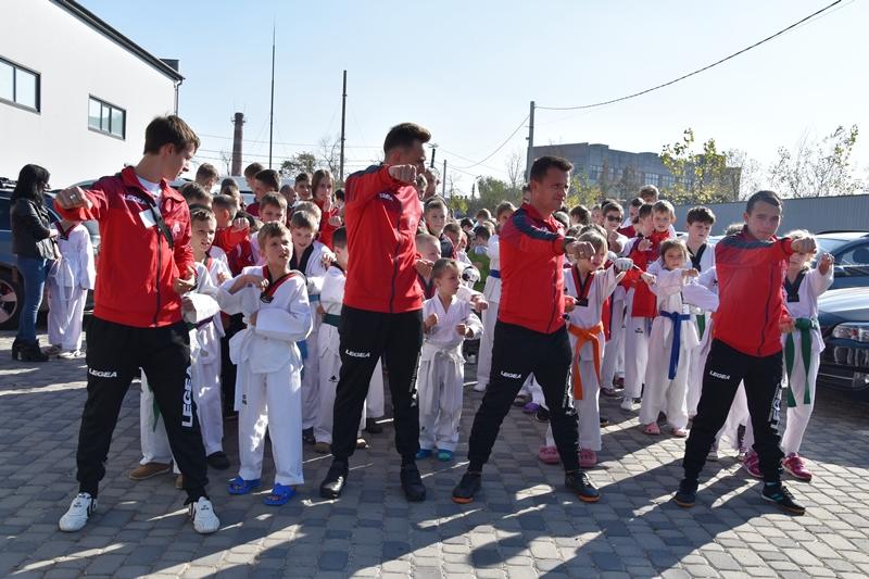 У Франківську змагались юні тхеквондисти (фоторепортаж)