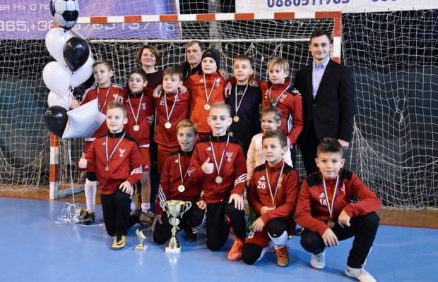Юні футболісти зі всієї України змагалися у Франківську за першість у турнірі (фоторепортаж)